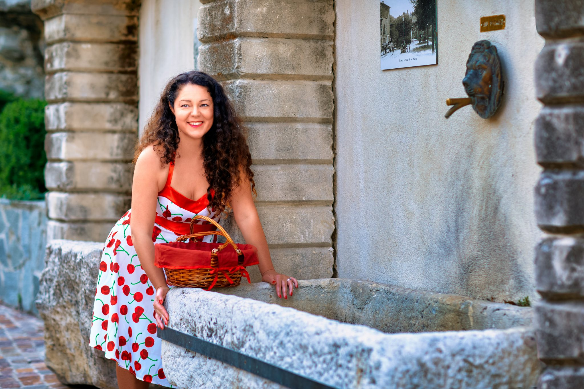 Le 15 09 2020 Séance Pin-up avec Aurore Lieu: Village à Mimet  PHOTOGRAPHE     | Christian Jaegy @digitregards MUSE                     | EOSmodele   http://www.eosmodele.kabook.fr WEB                       | www.digitregards.com