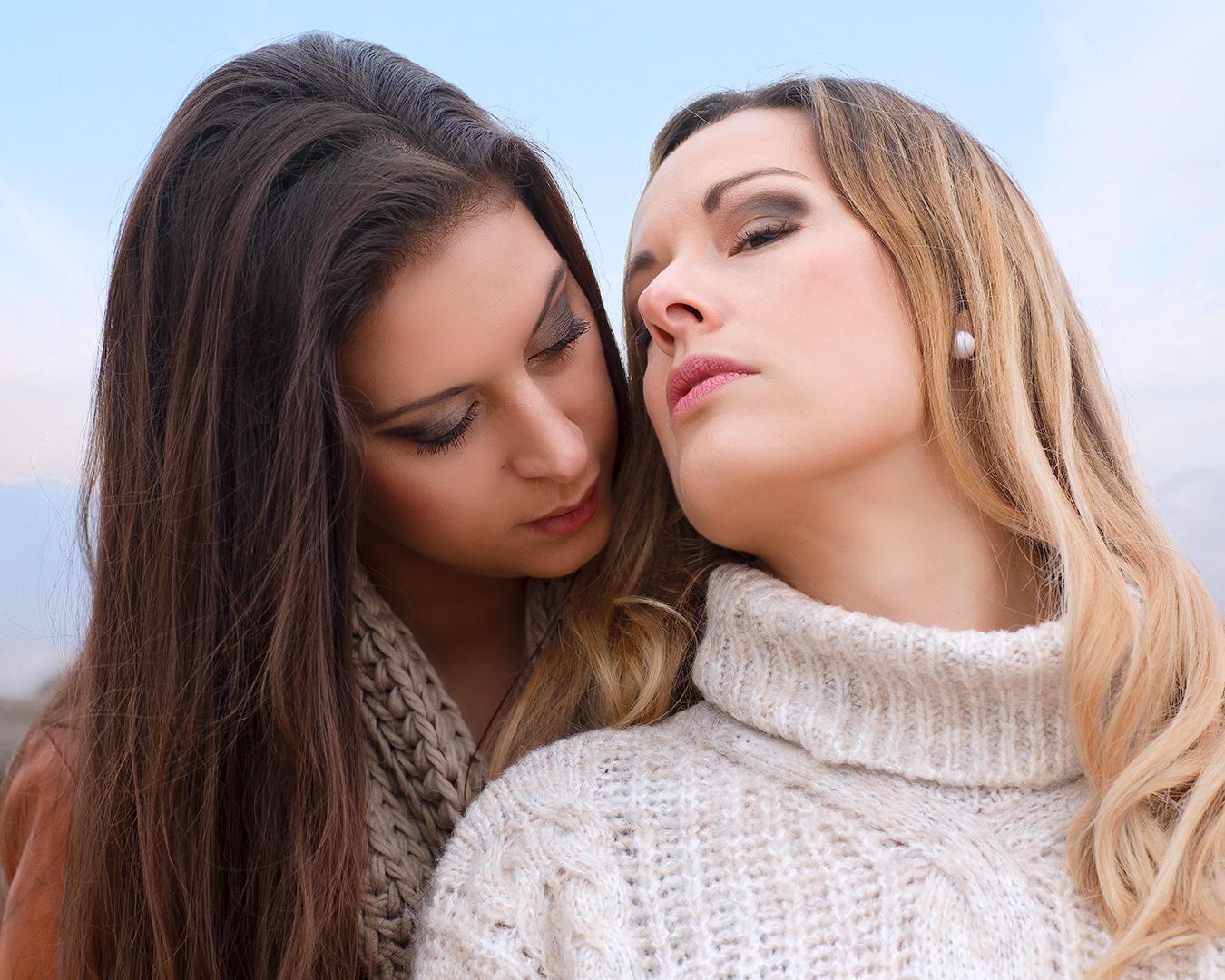 Cyndie & Élodie 2 filles sensuelles